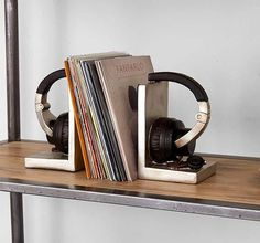 Headphone Bookends #tech #flow #gadget #gift #ideas #cool