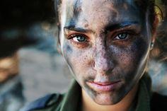 Menina de 18 anos – Parte da Força de Defesa Israelense