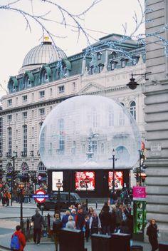 London #london #eros #circus #christmas #piccadilly