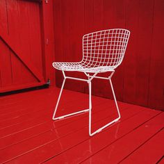 Harry Bertoia side chairs in our backyard.