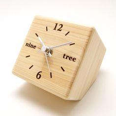Tree O'clockxefxbcx88xe3x83x84xe3x83xaaxe3x83xbcxe3x83xbbxe3x82xaaxe3x82xafxe3x83xadxe3 #tree #colock #oclock #wood #desk #clock