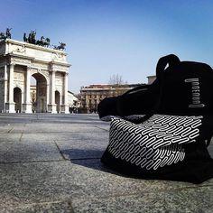 Foto de @unoenunomobiliario #milan #unoenuno #design #mutantestudio #perudesigncollective #venturalambrate
