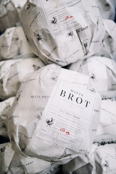 Mitte Brot Artisan Bread - Mindsparkle Mag Studio Born designed Mitte Brot – a boutique bakery, which produces daily fresh-from-the-oven artisan sourdough breads. Their breads are crafted using only natural and locally sourced goods from various regions in Turkey. #logo #packaging #identity #branding #design #color #photography #graphic #design #gallery #blog #project #mindsparkle #mag #beautiful #portfolio #designer