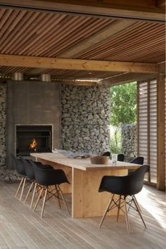 Timms Bach | Herbst Architects #dining #architecture #bach #room #eames