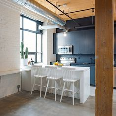 Studio Loft Broadview in Toronto 3