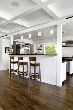 Contemporary Renovation of a 1940s House in Austin, Texas 4