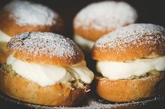 HILDA GRAHNAT: 2010 recap: february #cream #puff #semla #bun