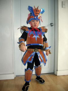 Samurai Costume Made with Recycled Materials #homemade #diy #costume