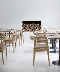 CJWHO ™ (A Cheeky Little White) #white #africa #design #interiors #dinning #south #photography