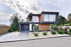 Tribute to Oblique Lines in Modern Home Architecture: House W