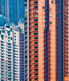 Hong Kong facades by Miemo Penttinen   thumbnail_5