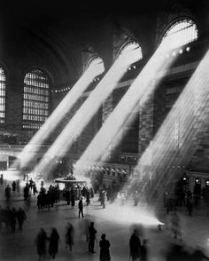 tumblr_llojy5JU2A1qz9qooo1_r1_500.jpg (Immagine JPEG, 500x623 pixel) #1935 #white #grand #central #black #photography #and #station