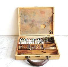 Vintage Paint Set in Wooden Box #box #wood #paint #painter #vintage #artist