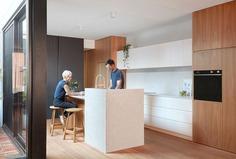 Melbourne Terrace House by Breathe Architecture - InteriorZine