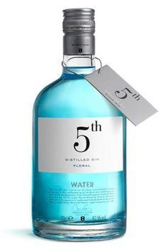 Categoria #packaging #water #bottle #puigdemont roca