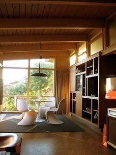 87d3ba8e20d6f3fdeb3ef581cb387ff95e3.jpg (JPEG Image, 300x400 pixels) #modern #interior #tulip table