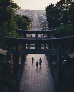 Cinematic Street Photos of Japan by Takashi Yasui