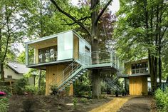 Urban Treehouse by baumraum #design #architecture #treehouse