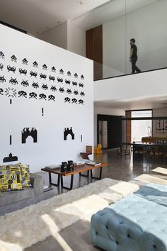This Cubist House Connects the Expressiveness of Geometric Forms with the Beauty of the Eclectic Interiors 6