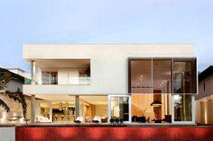 Expressive Brazilian Architectureto Inspire Your Next HomeMakeover