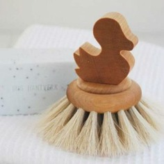 Duck Bath Brush This Duck Bath Brush is a charming and durable tool to keep in the bath. Handmade in Sweden, it is made using oil-treated birch and horsehair, which is soft and pliable.