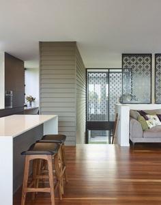 Remarkable Design Shaping Modern House in Gold Coast, Australia 7