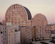 Alternative Post-War Universe in Paris Suburbs