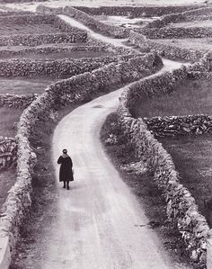 The Aran Islands – Another World ... Photography by Bill Doyle #old #aran #woman #path #island #photography #vintage #scotland #walk