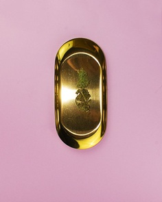 By Sofus Graae. #pink #gold #pot #weed #tray