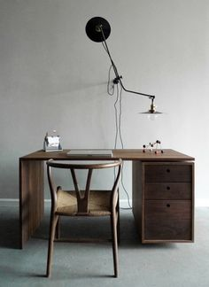 f | What's New? #wood #desk #workspace