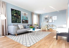 Painting Room With Hues Of Blue - www.homeworlddesign. com (7)