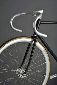 Clean. #bicycle #silver #handlebar #bike