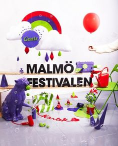 Malmöfestivalen 2009 Image poster | Flickr - Photo Sharing! #malmfestivalen #red #installation #design #graphic #photgraphy #snask #identity #stilleben #art #purple #typography