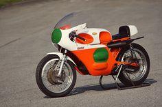classic-racing-motorcycle-1.jpg 625×417 pixels