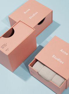 Förpackad -Sveriges största förpackningsblogg Förpackningsdesign, Förpackningar, Grafisk Design » Acne kör också rosa - CAP&Design - #acne #packagings