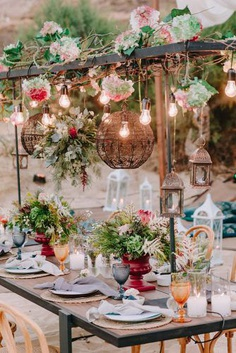 Designers, planners and vendors are already seeing a new tendence of the coming year and we have collected 30 super hot wedding trends 2019.