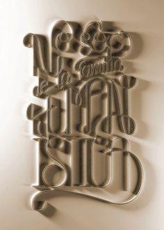 "Cartel de la serie ""No sóc de la família que penses"" 0 #oro #calligraphy #lettering #caligrafãa #dorado #david #diseã±o #rico #gold #poster #cartel #disseny #tipografãa #typography"
