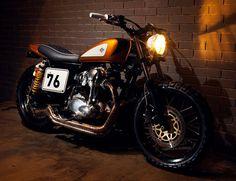 Ton-Up Kawasaki w650 Gold Digger #motorcycle