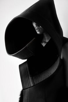 Qiu Hao F/W 2011 Serpens on the Behance Network #fashion #photography #black and white #china #matthieu belin #qiu hao