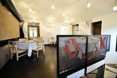 Artistic interior in Restaurant Pizzeria