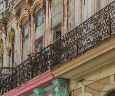 Paula Villa Captures The Beautiful Balconies of Havana, Cuba