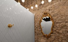 Anagrama | Montero #brick #restaurant #mirror #wall #deco #decoration