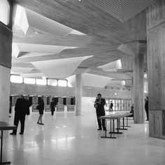 http://lowres picturecabinet.com.s3 eu west 1.amazonaws.com/29/main/11/440887.jpg #brutalist #southbank #london #elizabeth #architecture #hall #queen