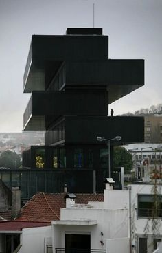 tumblr_lwfkc1HSOb1qgps7xo1_1280.jpg (528×824) #building #environment #black #modern