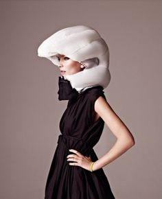 Hövding bike helmet #girl #design #helmet #hvding #bike #fashion