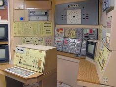 English Russia » In Case Of Nuclear War #controll #space