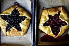 blue and red berry star galettes #food