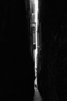 who cares about architecture? #alley #line #white #black #photography #and #light