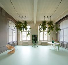bucketlight tropical plant fixtures by roderick vos incorporates built in powerstation #power