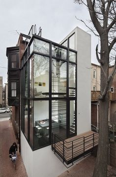 tumblr_m43iesl8tN1qg6q2no1_1280.jpg (600×915) #architecture #white #black #and